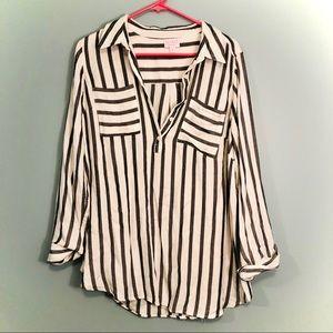 Isabel maternity button up shirt size medium!